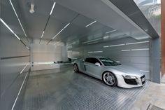 Renoviertes Haus in Hong Kong mit futuristischer Garage-Urbaner Chic