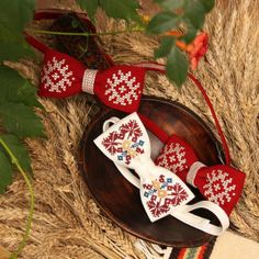 Myslíme si, že by sa vám mohli páčiť tieto piny - tonka. Cross Stitch For Kids, Cross Stitch Baby, Cross Stitch Flowers, Cross Stitch Patterns, Fun Fold Cards, Folded Cards, Flower Embroidery Designs, Beaded Embroidery, Blackwork