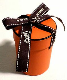 96b35c0c17c Small Cylinder Authentic HERMES Orange   Brown Gift Box w  Ribbon