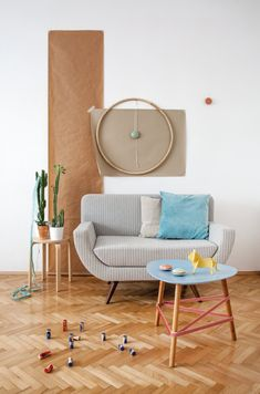 The jumping elastics: SOFFA 16 introduces another project from our popular series of DIYs.