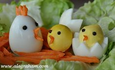 """Hard Boiled """"Chicken"""" Eggs- Clean Eating Hard boiled eggs carrots (I used carrot chips) peppercorns (could also hole punch seaweed or use sesame seeds) Boiled Chicken, Chicken Eggs, Chicken Chick, Yummy Easter Recipes, Easy Recipes, Cuisine Diverse, Boiled Eggs, Hard Boiled, Food Decoration"""