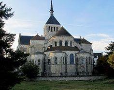 8. 1 Saint-Benoît-sur-Loire vue extérieure