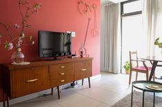 House Tour: A Colorful & Contemporary Cape Town Home | Apartment Therapy