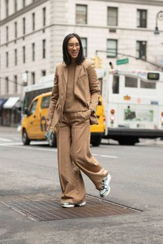 Eva Chen is seen on the street during New York Fashion Week wearing tan suit and sweater on February 07 2019 in New York City Minimal Style, Minimal Fashion, Eva Chen, Abayas, Workwear, Style Icons, Camel, What To Wear, Normcore