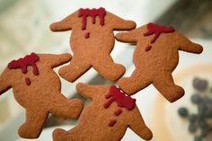 13 Days of Creepmas: Gingerbread Haunted Houses and Gingerdead Cookies Halloween Food For Party, Halloween Birthday, Halloween Town, Harry Potter Halloween, Holidays Halloween, Halloween Treats, Disney Halloween, Happy Halloween, Halloween Decorations