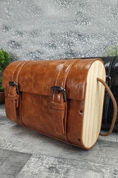 Τσαντάκι με ξύλινα στοιχεία 'Woods' Ταμπά Womens Purses, Wood Crafts, Bags, Handbags, Dime Bags, Wood Turning, Totes, Woodwork, Woodworking Crafts