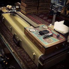 Daddy Mojo cigar box guitar