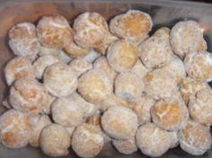 bolitas de canela Jewish Recipes, Mexican Food Recipes, Sweet Recipes, Cookie Recipes, Dessert Recipes, Desserts, Sweets Cake, Cupcake Cakes, Mexican Bread