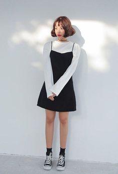 Korean daily fashion korean fashion kpop inspired outfits, korean fashion t Fashion Mode, Korea Fashion, Asian Fashion, Look Fashion, Daily Fashion, 90s Fashion, Tokyo Fashion, Korean Street Fashion Summer, Korean Summer