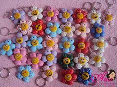 chaveiro de florzinhas - valor por cada florzinha Pedido minimo: 50 unidades Menos que 50 unidades o valor é 1,80 R$1,00