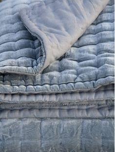 Lotus Velvet Grey blanket @ NOOHN