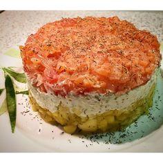 Cena della #vigilia con il mio amore @artesinlux ❤️ Antipasto #tartaredisalmone con #pompelmorosa #formaggiofresco alle #erbe e #mango con #lime davvero una delizia! #ricetteveloci #antipasti #pesce #cucinare #cucina #menù #antipastidipesce #golosità #masterchefitalia #cracco #laurart #amoreincucina