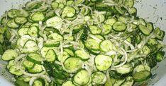 Zdravý uhorkový šalát na chudnutie. Je vhodný pre ľudí, ktorých trápi trávenie a cukrovkárov Ketogenic Recipes, Keto Recipes, Cooking Recipes, Good Food, Yummy Food, Russian Recipes, Kefir, Hot Dog Buns, Cucumber