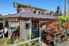 – Seattle Afloat: Seattle Houseboats & Floating Homes Portage Bay, Open Houses Today, Houseboat Living, Lake Union, Floating House, Houseboats, Tiny House Movement, Waterfront Homes, Water Crafts