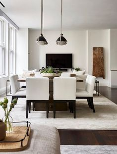 This modern apartment was designed by interiors studio Chango & Co., located in the Flatiron District, a neighborhood in Manhattan, New York. College Living Rooms, Small Living Rooms, Apartment Living, Men Apartment, Dining Room Furniture, Dining Room Table, Dining Area, Furniture Sets, Apartment Interior Design