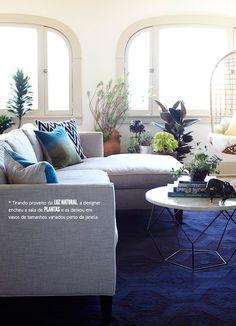 Natural light, plants and #dazzling blue #pantone #casadevalentina