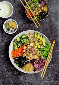 Wasabi Ginger Tofu Poké Bowls - Marinated tofu and dressed veg on a base of wholegrain rice with wasabi ginger mayo Clean Recipes, Raw Food Recipes, Vegetarian Recipes, Healthy Recipes, Tofu, Veggie Bowl Recipe, Poke Recipe, Dinner Bowls, Poke Bowl