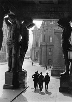Boris Ignatovich - The Atlanteans at the entrance of to the Hermitage. Leningrad, 1931
