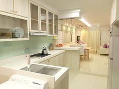 Guinto Portfolio: Modern Country Style HDB 3 Room Flat Possible Kitchen Colour Theme - white and nice. keep this is my look book Kitchen Renovation Design, Interior Design Kitchen, Kitchen Designs, Flat Interior, Home Decor Kitchen, Home Kitchens, Kitchen Ideas, Kitchen Inspiration, Room Kitchen