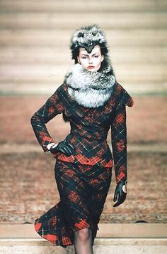 Alexander Mcqueen for Givenchy Haute Couture Fall 1997