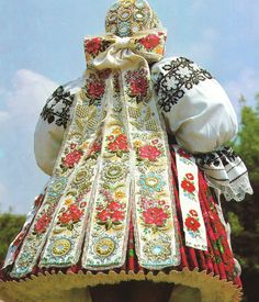 The development and use of the original traditional costumes continued only in several small regions throughout Slovakia.