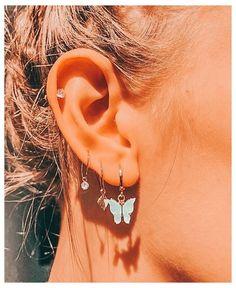 Ear Jewelry, Cute Jewelry, Jewelery, Jewelry Accessories, Pandora Jewelry, Pretty Ear Piercings, Ear Peircings, Ear Piercings Chart, Three Ear Piercings