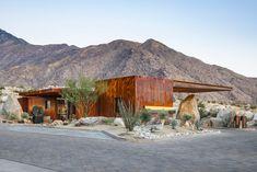 Desert Palisades Guardhouse von Studio AR & D Architects in Palm Springs, Kalifornien - Dekoration De Palm Springs, Minimal Design, Modern Design, Desert Environment, Modernism Week, Guard House, Desert Design, Journal Du Design, Desert Homes