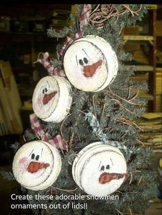 Christmas DIY: Save those metal jar Save those metal jar tops and paint to your hearts content Primitive Christmas, Homemade Christmas, Christmas Snowman, Winter Christmas, Christmas Holidays, Primitive Snowmen, Primitive Mason Jars, Primitive Ornaments, Snowman Crafts