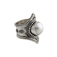 NOVICA Pearl cocktail ring ($40) ❤ liked on Polyvore featuring jewelry, rings, cocktail, pearl, pearl jewellery, evening jewelry, pearl ring, pearl band ring and cocktail ring