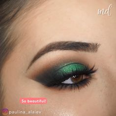 A smokey eye & a splash of gorgeous green shimmer. Extra, extra cute, am . Smokey Cat Eye, Green Smokey Eye, Black Smokey, Smokey Eye Makeup, Green Eyeshadow Look, Eyeshadow For Brown Eyes, Makeup For Green Eyes, Eyeshadow Looks, Dark Eye Makeup