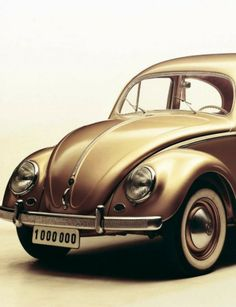 Gold VW Beetle I would wuch prefer this than the gold Aventador , a 1.000.000 times !