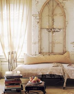 Shabby chic bedroom ideas can give a new look to your old worn and torn bedroom furnishing that look dull and no cuter. If you are planning for a shabby chic look even though the furnishings are ne… Shabby Chic Interiors, Shabby Chic Decor, Rustic Decor, Rustic Chic, Rustic Bed, Store Interiors, Rustic Cottage, Antique Decor, Rustic Elegance