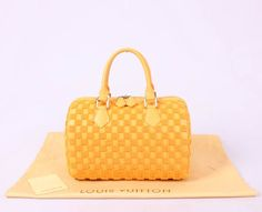$207 Coiiection Printemps Louis Vuitton SPEEDY TOTE LV M40611 Yellow Made of cowhide Features exactly as pic Come with series number, care booklet, dust cover and authentic card Measurements : 30cm(W) * 20cm(H) * 13cm(D) Grade : AAAAA Packing : dustbag, bag http://www.topbagshoe.com/coiiection-printemps-louis-vuitton-speedy-tote-lv-m40611-yellow-p-13837.html