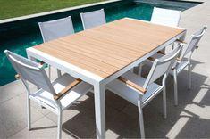 TABLE JARDIN ALU ET LATTE BOIS - Blanc/Teck prix promo La Maison de Valerie 499.99 € TTC