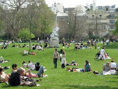 picnic at Parc Monceau, Paris