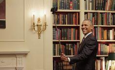 President Obama using a Selfie Stick -SelfiStickHub.com