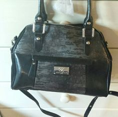 Brand new sharif bag very roomy sale sale Leather brand new too big for me bought from another posher great deal bu too big for me ..... Bags Shoulder Bags