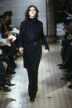 Hermès Fall 2001 Ready-to-Wear Collection Photos - Vogue Maison Martin  Margiela, 76f619bb64a
