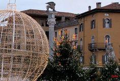Dino Grossi e la sua Piazza Libertà natalizia