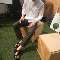 Awesome but not the sandals persay? also I like those collars Korean Fashion Men, Korea Fashion, Mens Fashion, Korean Outfits, Trendy Outfits, Fashion Outfits, Outfits Hombre, Mens Clothing Styles, Look Fashion