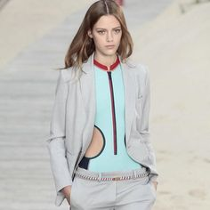#ThrowBack #EstherHeesch walks for @tommyhilfiger New York Fashion Week Women-Ready-To-Wear Spring/Summer 2014  #model #fashionmodel #show #shows #fashionshow #fashionshows #NewYorkFashionWeek2014 #Spring #Summer #2014 #WRTW #SS2014 #NewYork #TommyHilfiger #hair #hairstyle #makeup #style #fashion #fashionstyle #beauty #catwalk #catwalkshow by eh.blogger