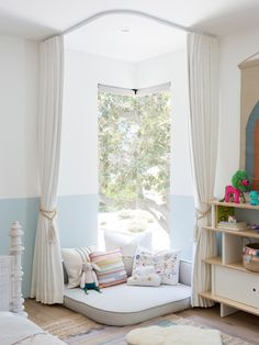 Reading Nook In Living Room Corner Bedroom Reading Nooks, Bedroom Nook, Girls Bedroom, 4 Year Old Girl Bedroom, Bedroom For Kids, Reading Corner Kids, Kids Corner, Reading Corners, Giant Floor Pillows