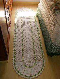 De Salto Alto: Passadeira de quarto em crochê