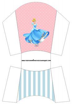 http://fazendoanossafesta.com.br/2013/07/cinderela-kit-completo-com-molduras-para-convites-rotulos-para-guloseimas-lembrancinhas-e-imagens.html