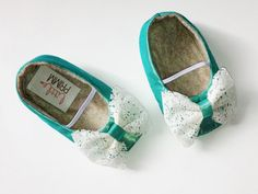 EMERALD.... Green Lace Baby Girl Shoes by LittlePrimm on Etsy, $26.95