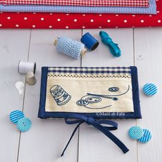 Fabric to realize the case for sewing kit and accessories