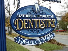 Elegant dentist sign
