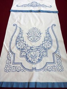 Items similar to Vintage cotton hand embroidered hanging dish towel KITCHEN Dishtowel with Blue Floral embroidery Cross Stitch Flowers OOAK on Etsy Floral Embroidery, Cross Stitch Embroidery, Embroidery Patterns, Hand Embroidery, Crochet Table Topper, Crochet Table Runner, Mod Melts, Embroidered Towels, How To Dye Fabric