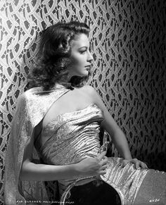 "The glamorous beauty of Old Hollywood star AVA GARDNER, photo by Clarence S. Bull for ""Masie Goes to Reno"", 1944 Old Hollywood Glamour, Hollywood Fashion, Golden Age Of Hollywood, Vintage Hollywood, Hollywood Stars, Classic Hollywood, Hollywood Divas, Hollywood Icons, Vintage Glamour"