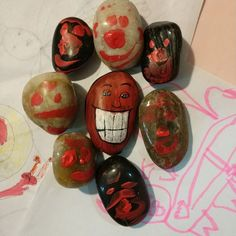 Lets us show you how easily you can make easy painted rock ideas. Just not how to make it, Also in here you can get images, simple patterns, inspirational craft shapes, creative rock painting pictures, etc. You can use it for furniture, decoration, gifts, for kids